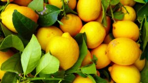 fruit lemon detox